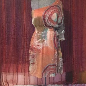 NWOT- BISOU BISOU one shoulder dress